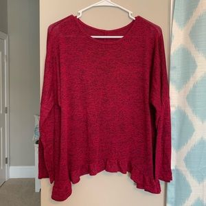 Magenta marled flowy ruffled long sleeve top!